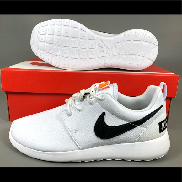 c40daeb5ad917 Nike Roshe One Premium Just Do It Womens Shoes.